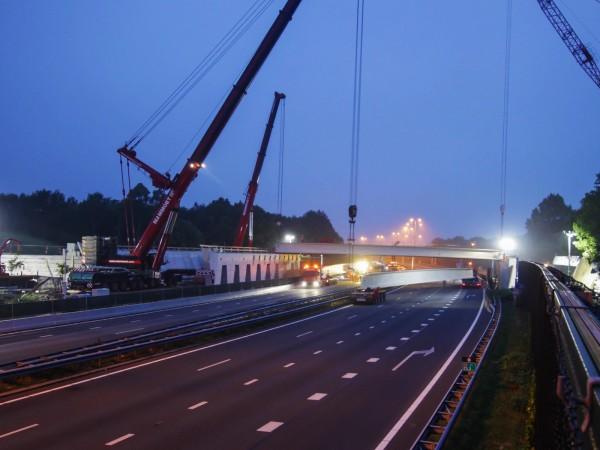 Timelapse bouw Natuur-brug Laarderhoogt A1