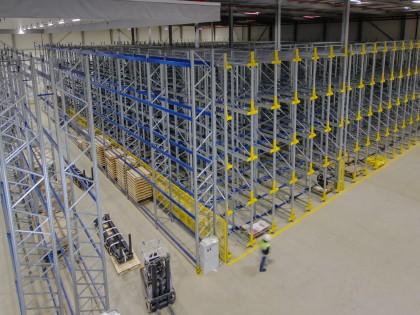 Timelapse: Realisatie van een geautomatiseerd magazijn voor SSI Schäfer