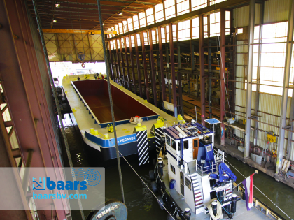 Timelapse Construction of Baars Hopper Barge 1500 tonnes