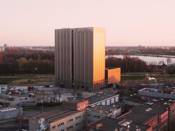 Timelapse bouw Amsterdam Data Tower